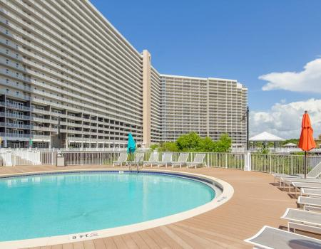 Laketown wharf with pool in the foreground